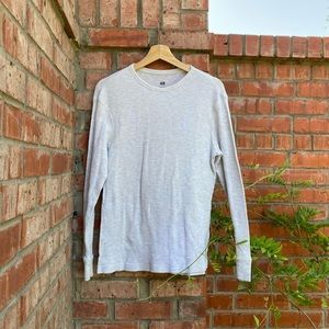 H&M long sleeve gray t-shirt